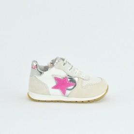 Gaelle G-290 white sneakers