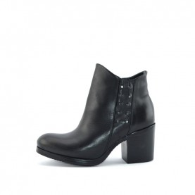 Lilimill 6554 woman black ankle boots with studs