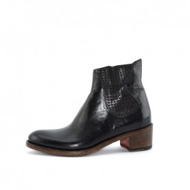 Corvari D1857 woman brown leather ankle boots