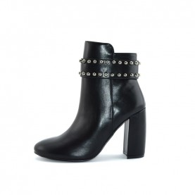 Menbur 20792 black ankle boots heels with studs