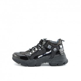 Gaelle G-121 black sneakers
