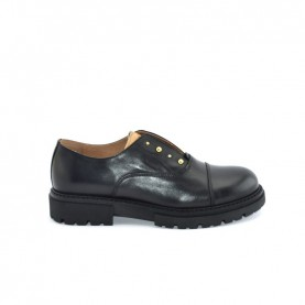 Alviero Martini N0801 black slip-on shoes