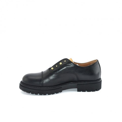 Alviero Martini N0801 black slip-on shoes