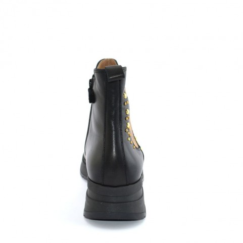 Alviero Martini N0736 black beatles ankle boots