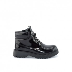 Gaelle G-070 black pathent leather lace ups ankle boots