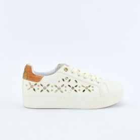 Alviero Martini 10203 white sneakers with geo applications