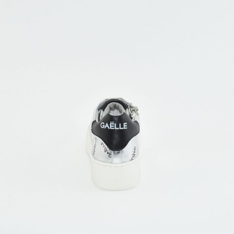 Gaelle G-150 silver and black sneakers