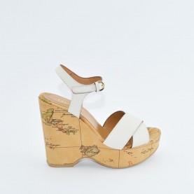 Alviero Martini E929 geo beige wedge sandal