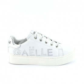 Gaelle G-601 white platform sneakers with logo