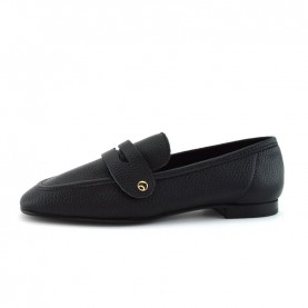 Illuminal black leather loafer with chain